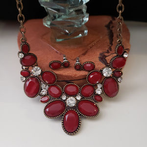 Jewelry - Dark red flower necklace and earring set
